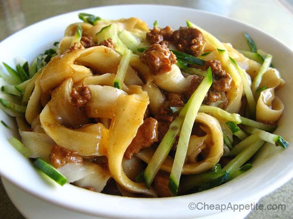 Zha Jiang Mian handmade cutting noodles at Sha-lin Noodle House